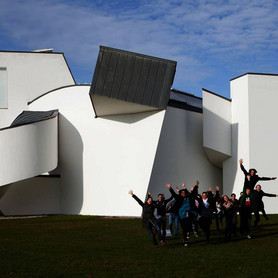 School class in frot of the Vitra Design Museum