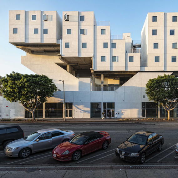Star Apartments, Los Angeles Michael Maltzan Architecture, Los Angeles, 2014 © Gabor Ekecs
