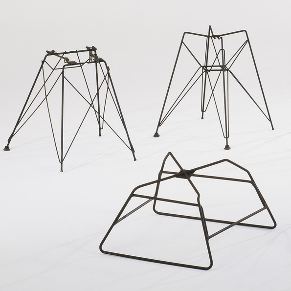 Experimental rod steel bases, 1951 © Vitra Design Museum, Photo: Thomas Dix