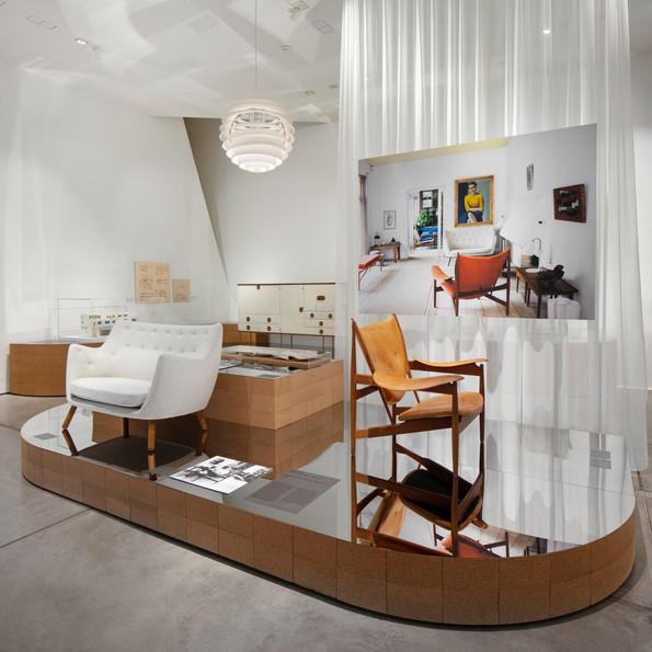 Installationsansicht »Home Stories. 100 Jahre, 20 visionäre Interieurs« © Vitra Design Museum, Foto: Ludger Paffrath