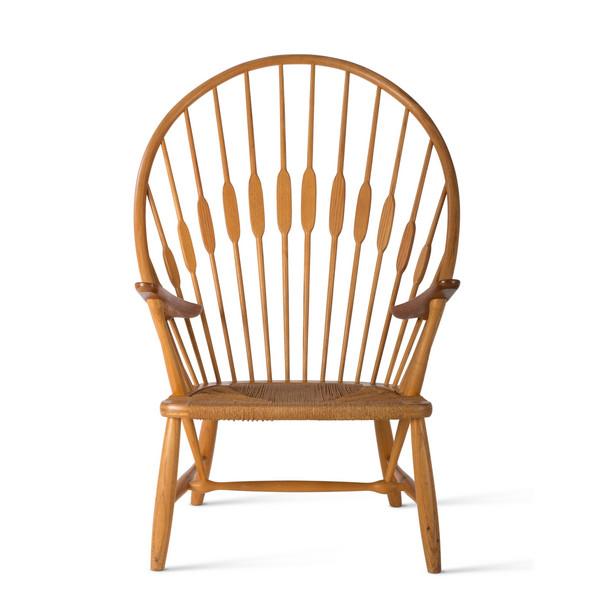 Hans J. Wegner, JH550 / Peacock Chair, 1947 © Vitra Design Museum, photo: Jürgen HANS, www.objektfotograf.ch