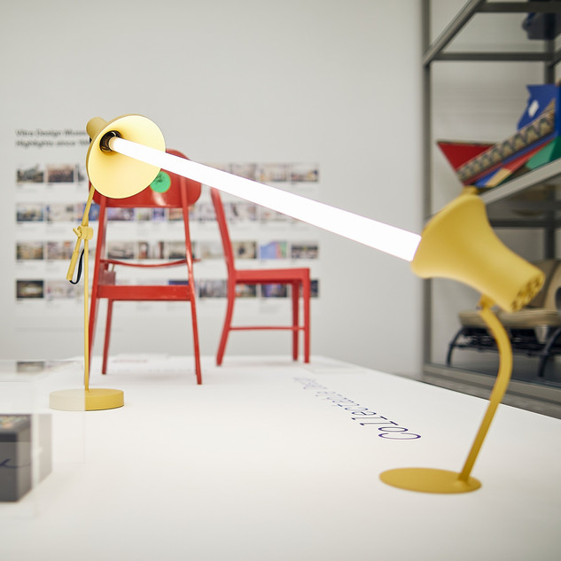 Installationsansicht »After the Wall. Design seit 1989« © Vitra Design Museum, Foto: Lucia Hunziker