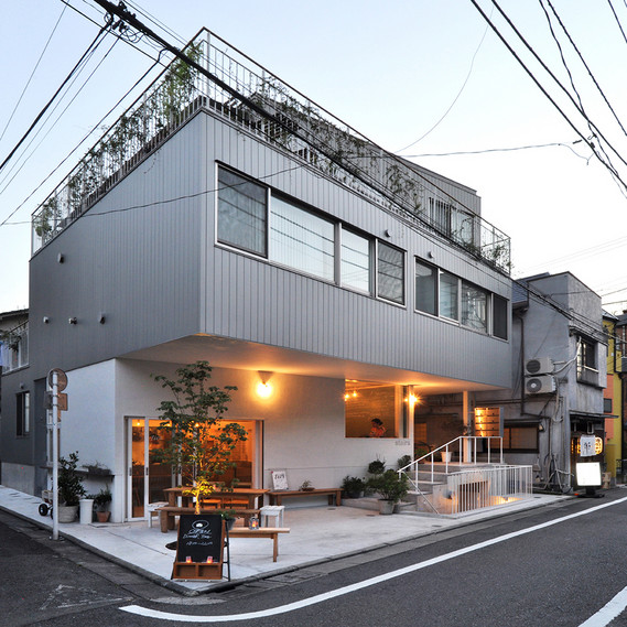 Apartments with a Small Restaurant, Tokio, 2014 Naka Architects' Studio © Naka Architects' Studio