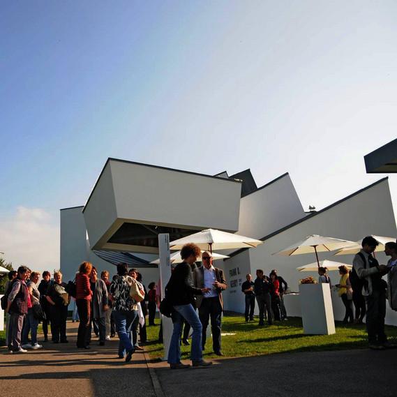 Das vitra design museum for Vitra museum basel