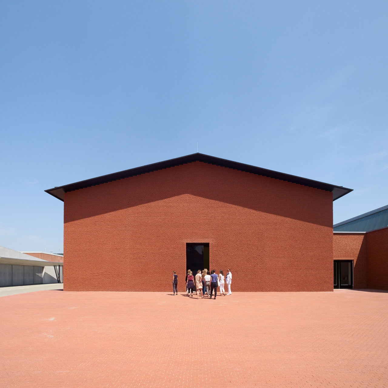 Außenansicht/ Exterior View Vitra Schaudepot, Herzog & de Meuron, 2015 Foto/ photo: © Vitra Design Museum, Julien Lanoo