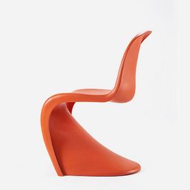 Verner Panton, Panton Chair, 1971, © Vitra Design Museum (MPA-1126), photographer: Jürgen Hans/objektfotograf.ch