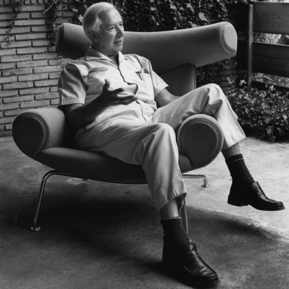 Hans J. Wegner in his favourite chair P46 / Ox chair (1960) © Hans J Wegners Tegnestue